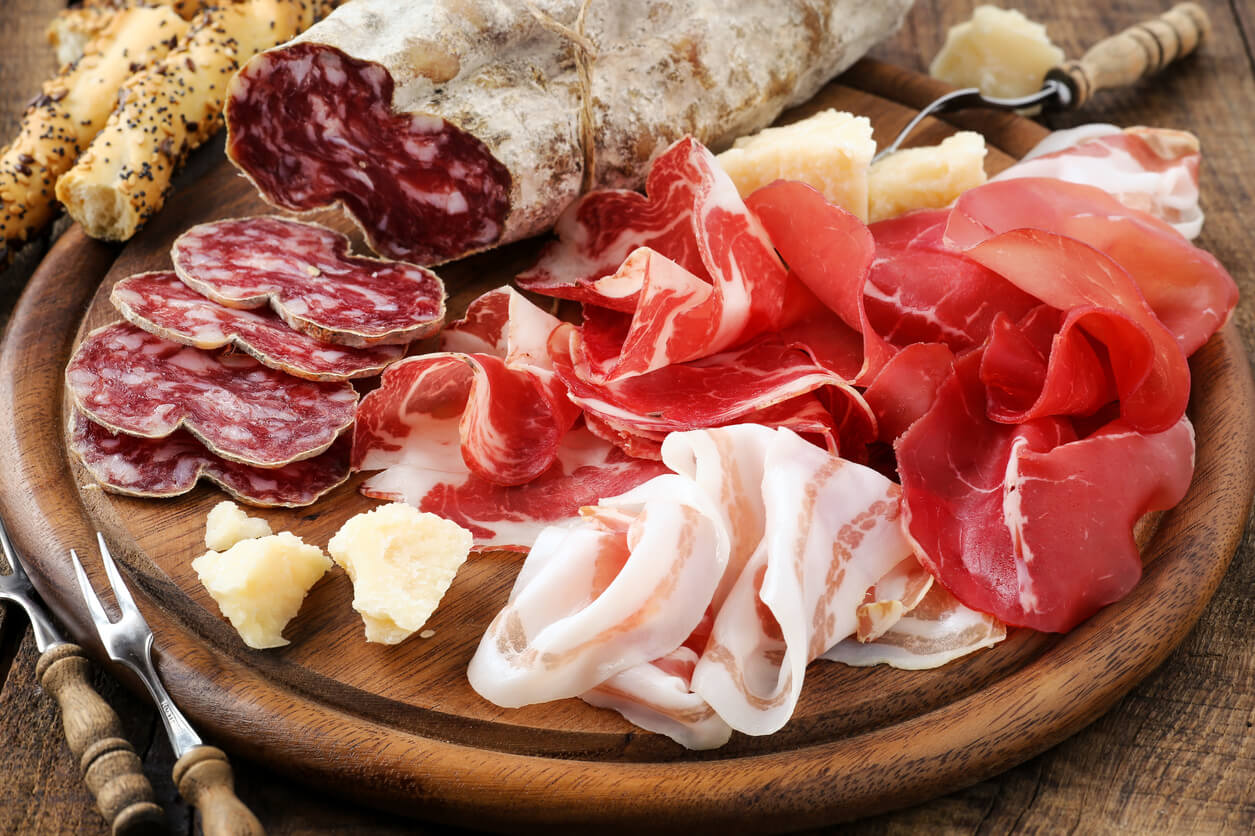 Since the Roman times, Italian parties and banquets wouldn't had been the same without 'Salumi'. A veritable tradition of taste and technique, Salumi are among the main characters of the Italian culinary production.  It's very easy to find slices of Prosciutto on tables during an Italian lunch or dinner, or in sandwiches for a good […]